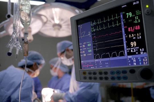 Los 25 principales activos hospitalarios rastreados y administrados con SmartX HUB RFID